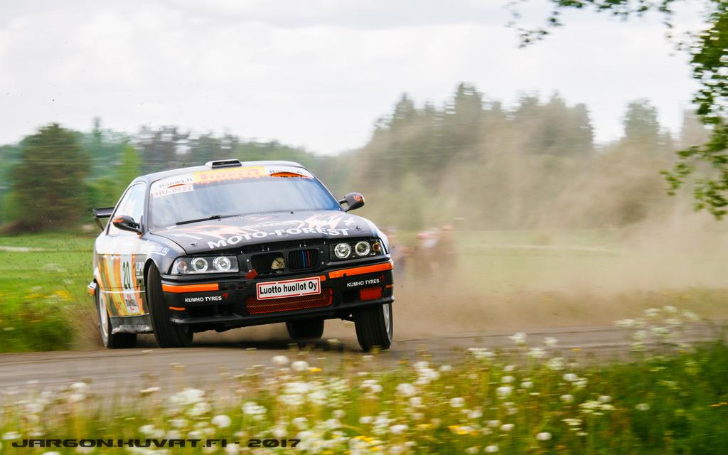 IMAGE: https://jargon.kuvat.fi/kuvat/Moottoriurheilu/Toivakka-ralli%202017/IMG_0332-2.JPG?img=full