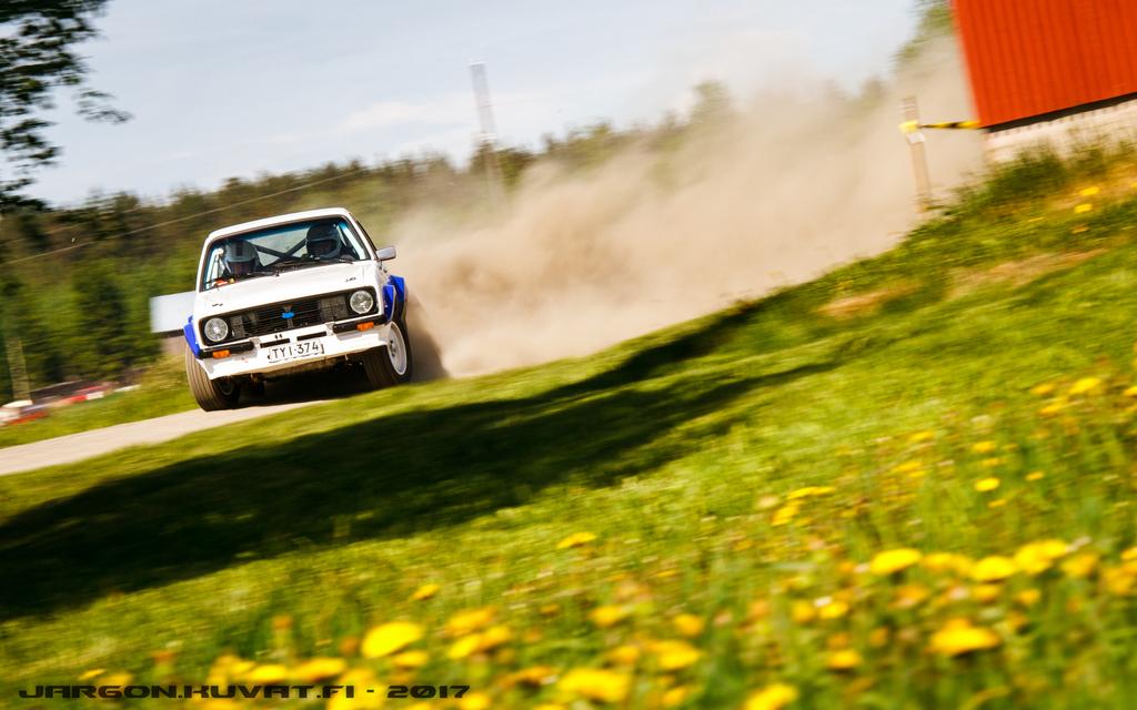 IMAGE: https://jargon.kuvat.fi/kuvat/Moottoriurheilu/Toivakka-ralli%202017/IMG_0830.JPG?img=full